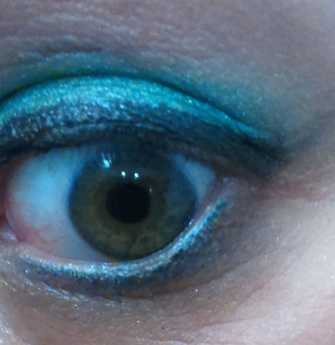 Don't it make my hazel eyes green?